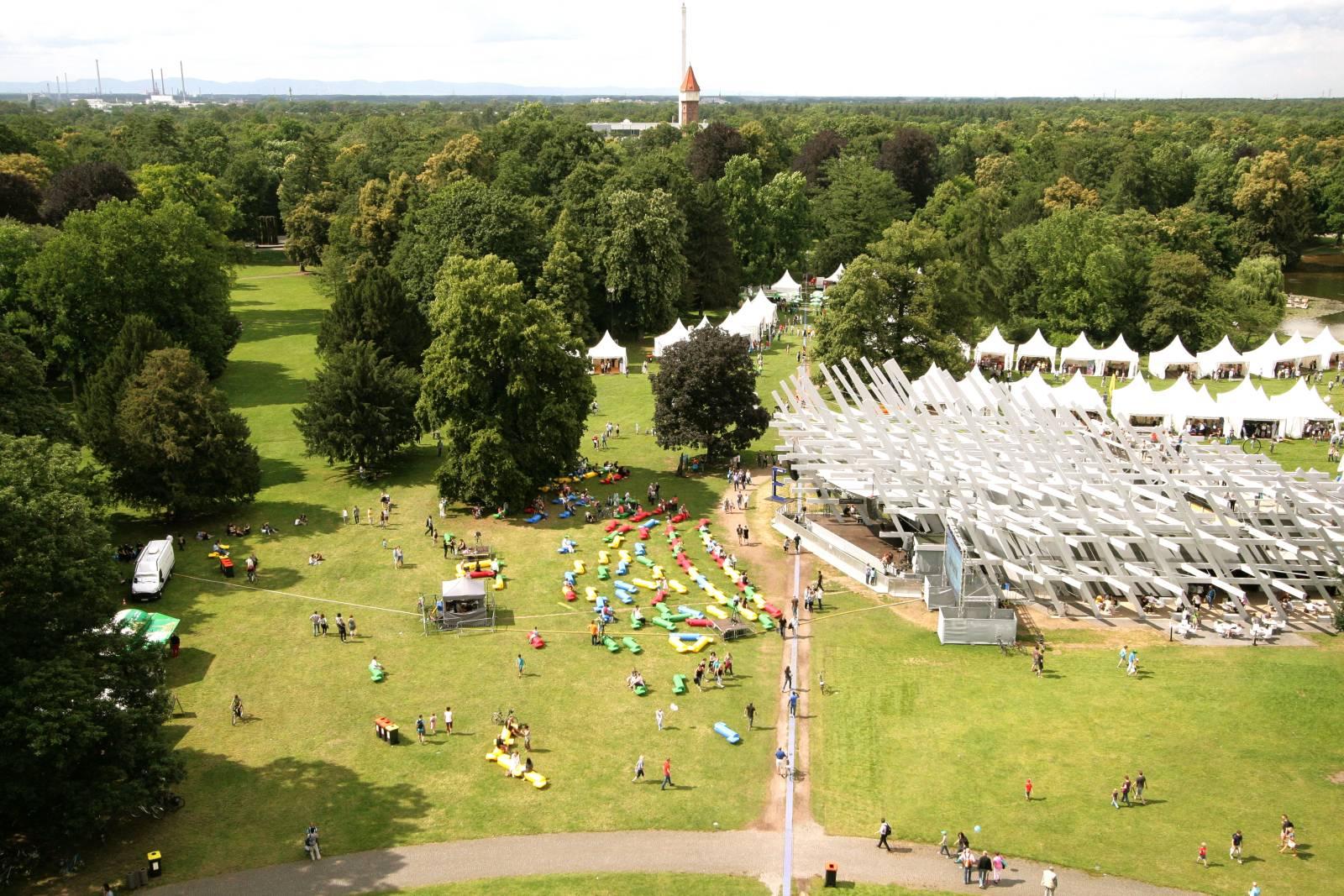 Mit dem Ü-Wagen zur 300 Jahre Feier nach Karlsruhe